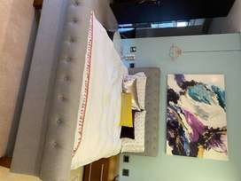 GALLERY BED (queen size)
