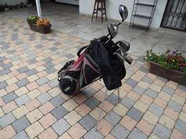 Complete used set of Men's Wilson Fat Shaft golf clubs with Stand Bag