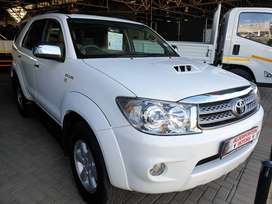 ^2011 Toyota Fortuner 3.0 D4D Auto 4x4-Low milage-Only 109500km