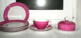 Мелкие тарелки , чашка с блюдцами, масленка. Германия.