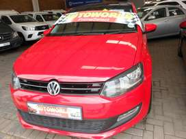 2013 VOLKSWAGEN POLO WITH SUNROOF
