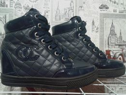 Сникерсы ботинки 37 размер.
