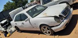 Mercedes e230 stripping for spares