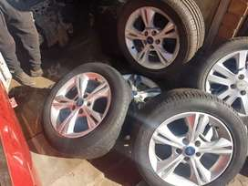 Ford Focus 2014 Set of 16inch Mags and tyres
