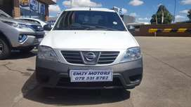 Nissan NP200 1.6 BAKKIE WITH CANOPY