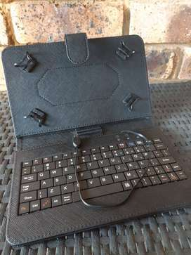"Universal Wired Keyboard Case (for 7"" - 8"" Android Tablets) for sale"