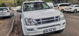 Isuzu KB300 double cab bakkie V6 engine, in excellent condition