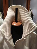 Пальто женское осенне-весеннее белого цвета. Дешево.