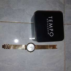 Tempo Gents gold watch
