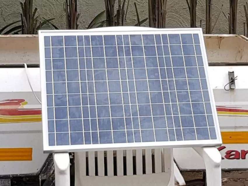 Solar Panel 50W + 10A LCD Charge Controller New 0