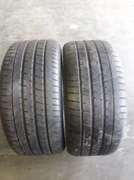 255/40/17runflats. Two pireli tyres available for sale.