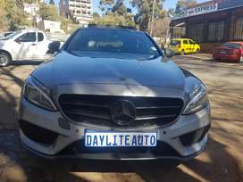 2015 MERCEDES Benz C200 AMG Automatic with Sunroof and leather seats