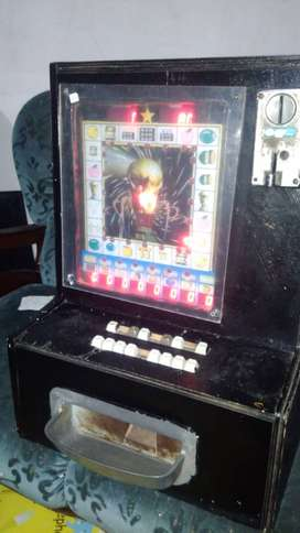 Hi guys i have a gambling machine 50c slot in good working order