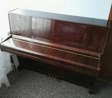 Pianino Legnica / Balthür