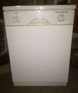 AEG Dish Washer for Sale