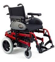 Универсальное маневренное инвалидное кресло с электроприводом Rumba.