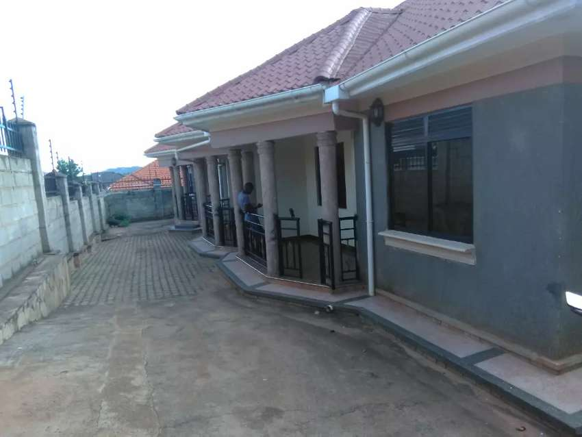 Very classic three apartments on forced sale in heart of munyonyo 0