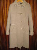 Пальто кашемировое, бежевое, 44 - 46 размер, состояние отличное.