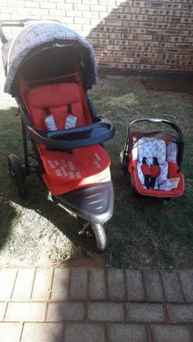 Chellino stroller and carseat for babies