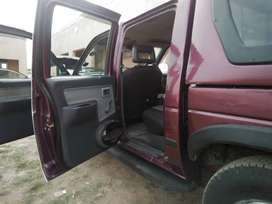 1999 1tonner double cab with canopy, sound system, diff lock.