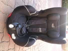 Baby swivel car seat