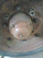 Ось прицепа 2ПТС-4 со ступицами