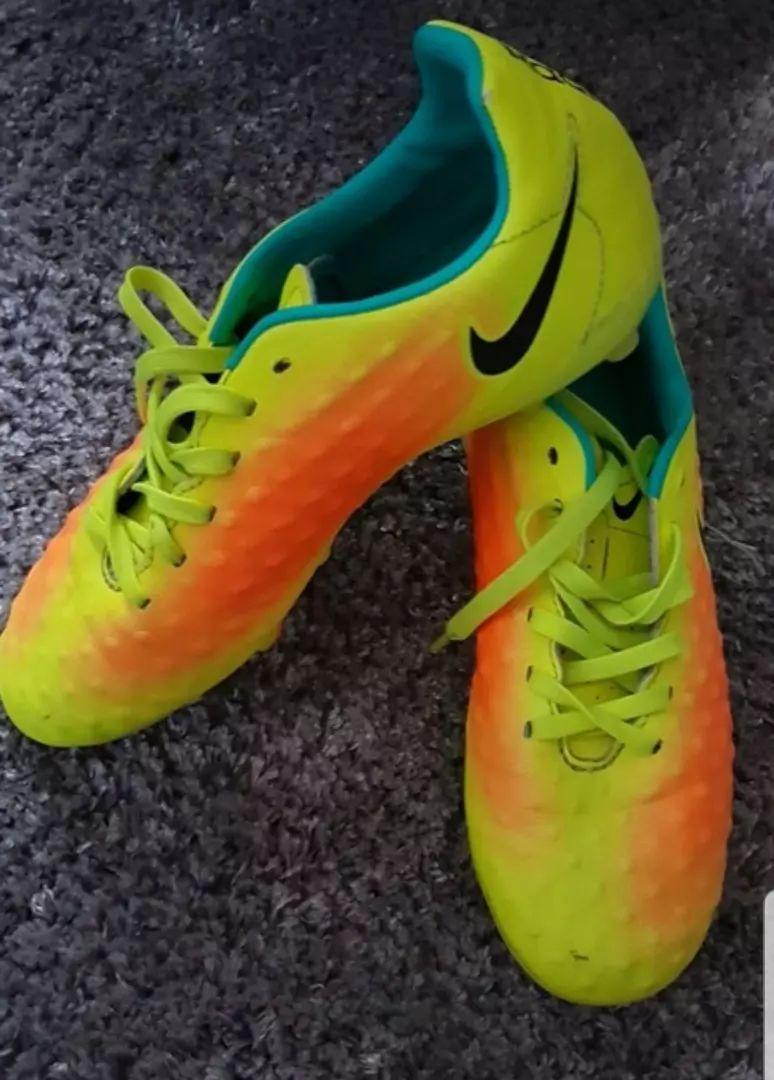 Kopacky Nike velikost 36 0