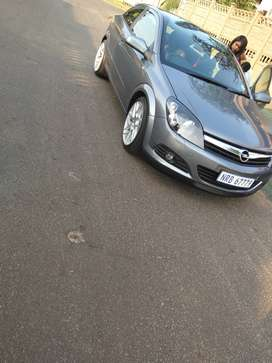 Opel Astra GTC 2.0 turbo with Panoramic roof