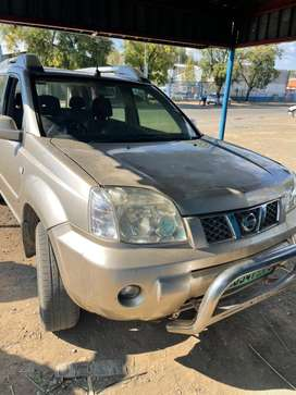 NISSAN X-TRAIL 2004-FOR SALE AS IS AS A REPAIRABLE