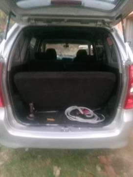 I am selling Toyota Azanza 7sitter 2010 paper on hand