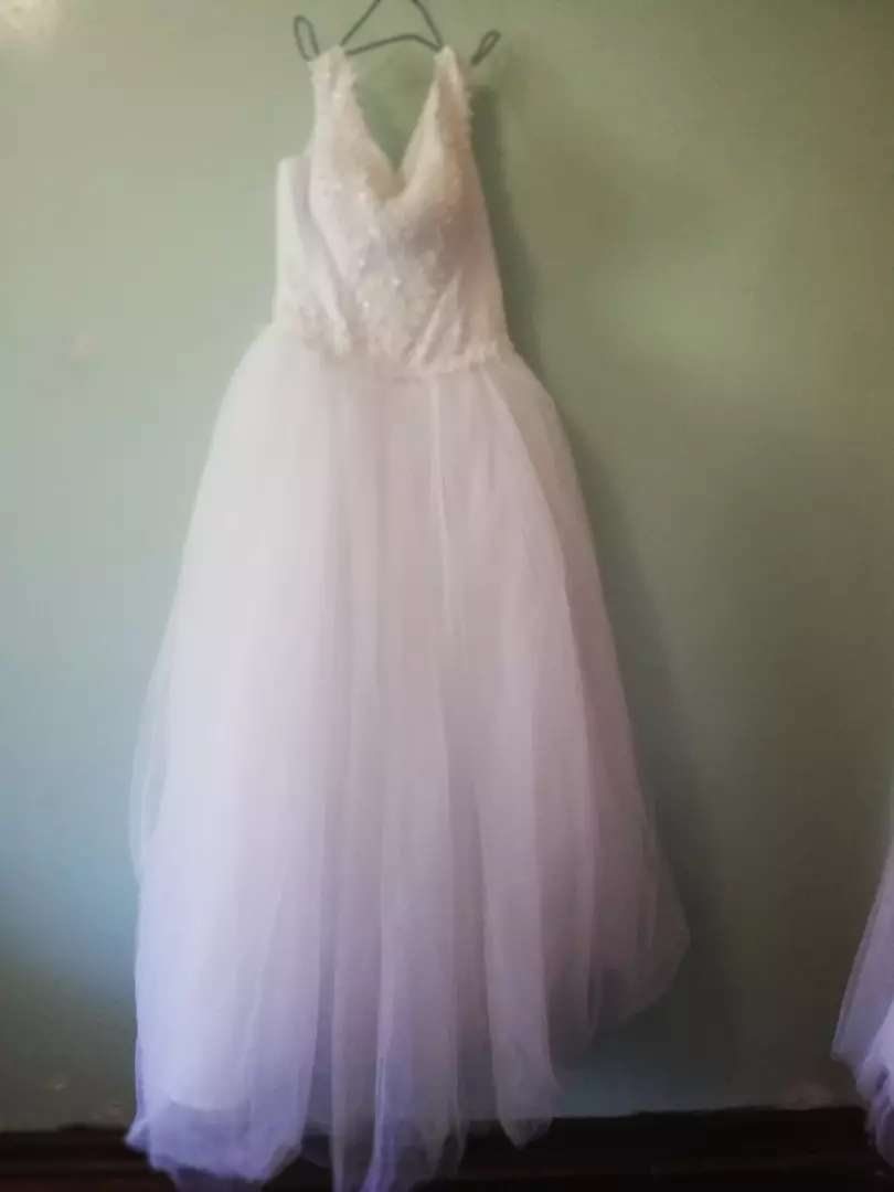 Centurion Wedding gown for sale its a bargain 0