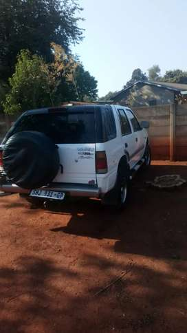 Isuzu Frontier body on wheels very good condition and intact