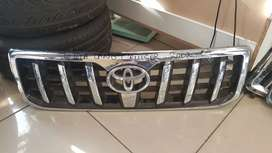 TOYOTA LAND CRUISER 2002 - 09 GRILL AVAILABLE