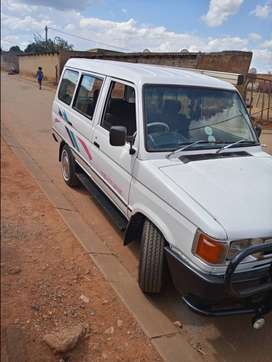 1995 Toyota venture with new tyres and suspension