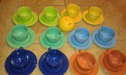 Komplet 12 kolorowych filiżanek + cukiernica.