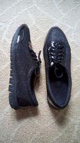 Мерцающие туфли с лаковыми вставками