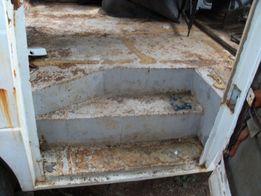 Дверь калитка, на микроавтобус, подножка, ступеньки, газель, газ, рама