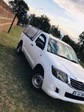 2013 Toyota Hilux 2.0L vvti in immaculate condition