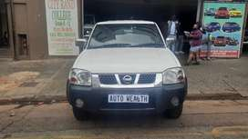 Nissan Np300 Hardbody 2012 manual for SELL