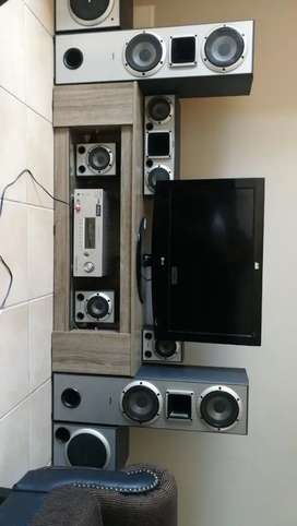 Sony home theatre system 6.2 +LG 32 Inch tv set