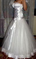 Свадебное платья, колье, сережки, перчатки, подъюбник.