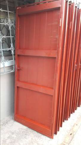Steel door frame an door ; fire door