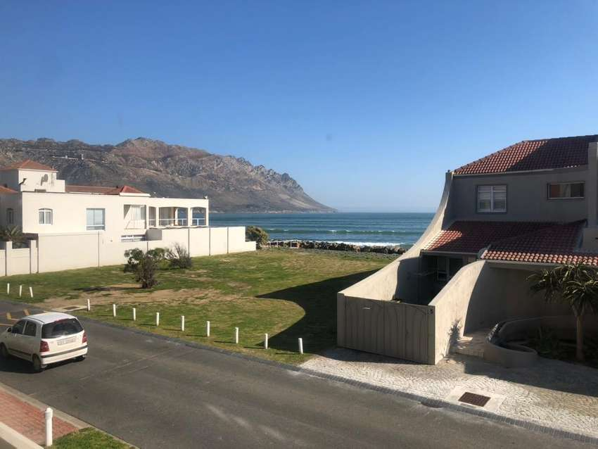 3 bedroom apartment for short term rental or longer stay holiday 0