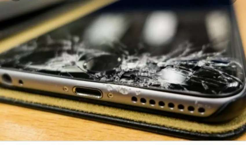 IPhone screen Repairs Done on the spot! 0