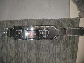 Second hand guess watch