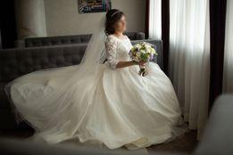Весільна сукня, весільне плаття.