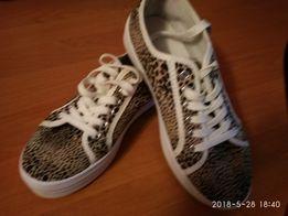 Продам слипоны на шнурке б/у
