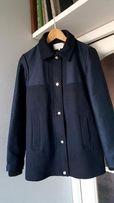 granatowy płaszcz Zara minimalizm M
