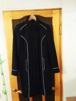 Продам фирменное пальто на девочку старшеклассницу