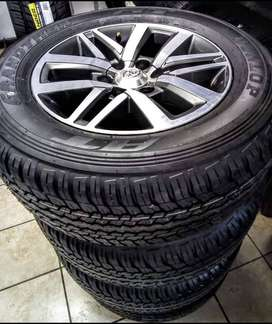 """18"""" Toyota Hilux/Fortuner mags with brand 265/60/18 Dunlop R14500."""